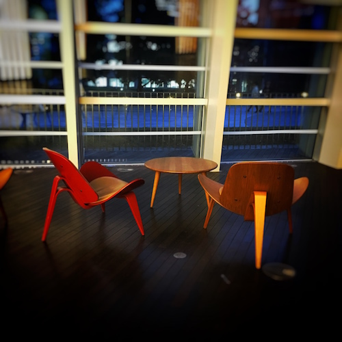 chairs-shinkokuritsumuseum.jpg