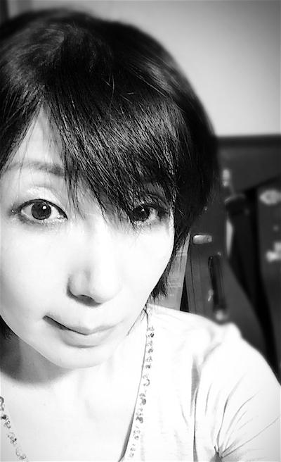 portrait-mono2016.JPG